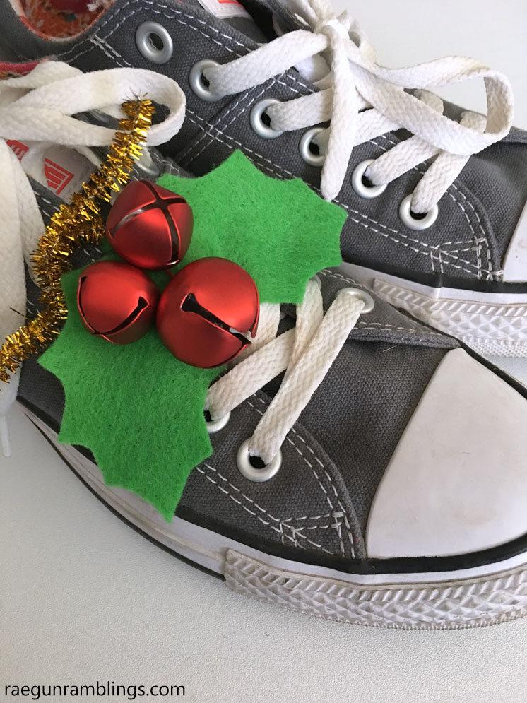 Diy Holly Shoe Jingle Bells Tutorial Rae Gun Ramblings