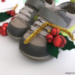 How to make holly shoe bells. Cute DIY Christmas craft tutorial