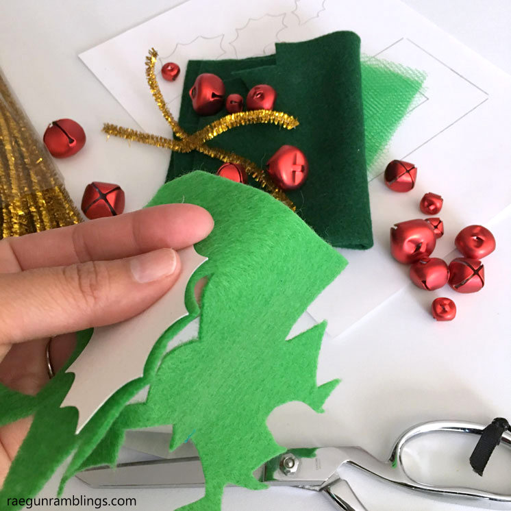 Christmas shoe craft. Cute jingle bell holly accessories.