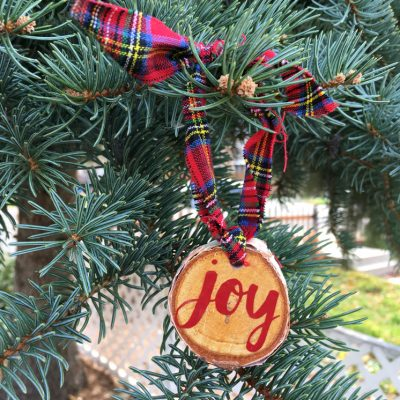 10 Minute Wood Slice Joy Ornament and More DIY Ornaments