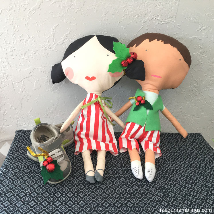 Sew the cutest elf dolls and shoe jingle bells
