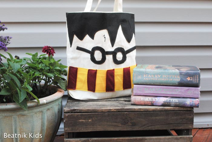 Turn a ready made bag into a DIYHarry Potter Tote