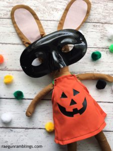 how cute is this free bunny with Halloween pumpkin costume.