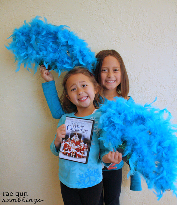 White Christmas Sisters Fans easy step by step instructions